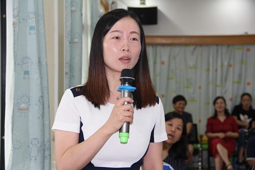 市实验幼儿园副园长张雪回答朱春兰老师问题